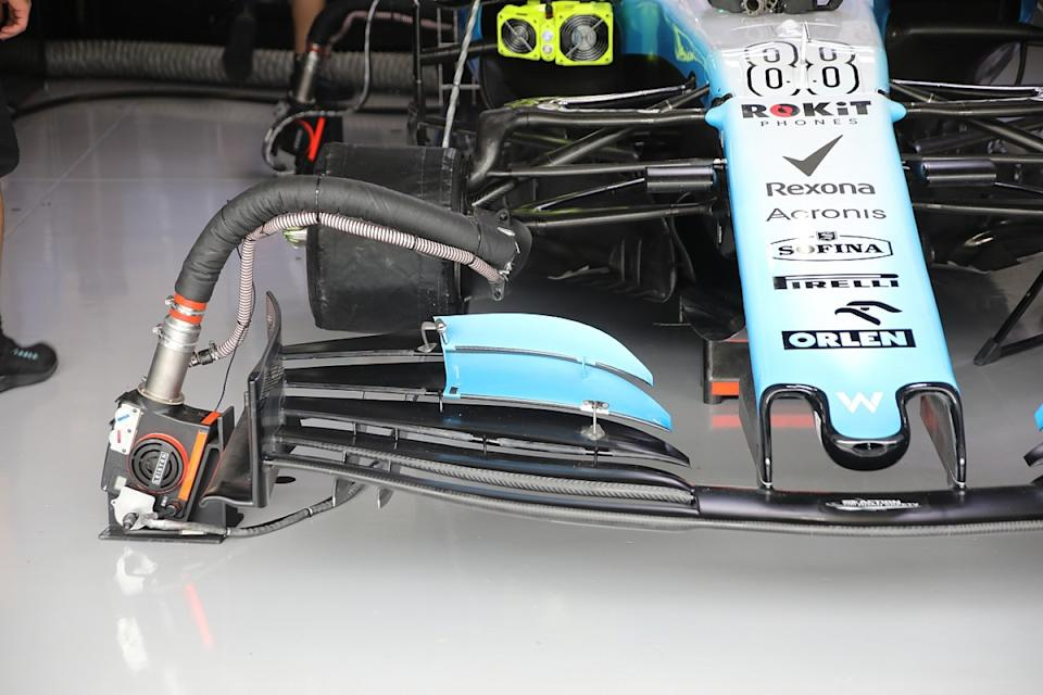 Williams trials experimental front wing in practice