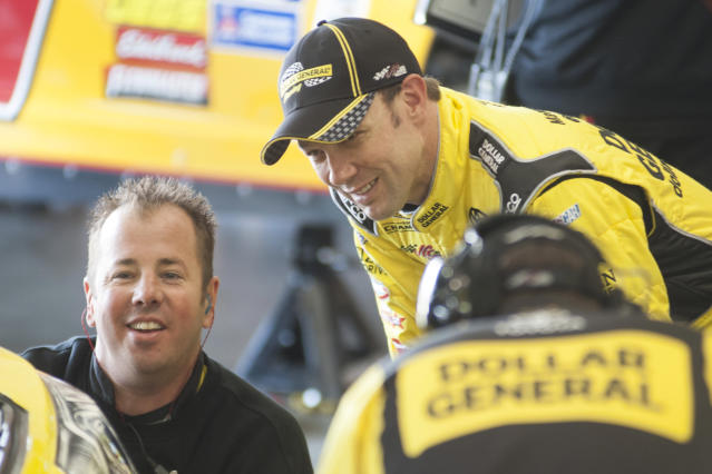 Matt Kenseth wins pole for race at Auto Club Speedway