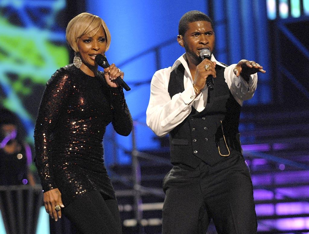 "Mary J. Blige and Usher work up a sweat on stage. Kevin Mazur/<a href=""http://www.wireimage.com"" target=""new"">WireImage.com</a> - September 6, 2007"