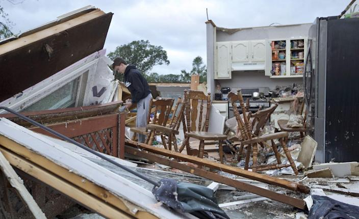 Five People Injured, Dozens of Homes Damaged After Tornado Rips Through Illinois Suburb