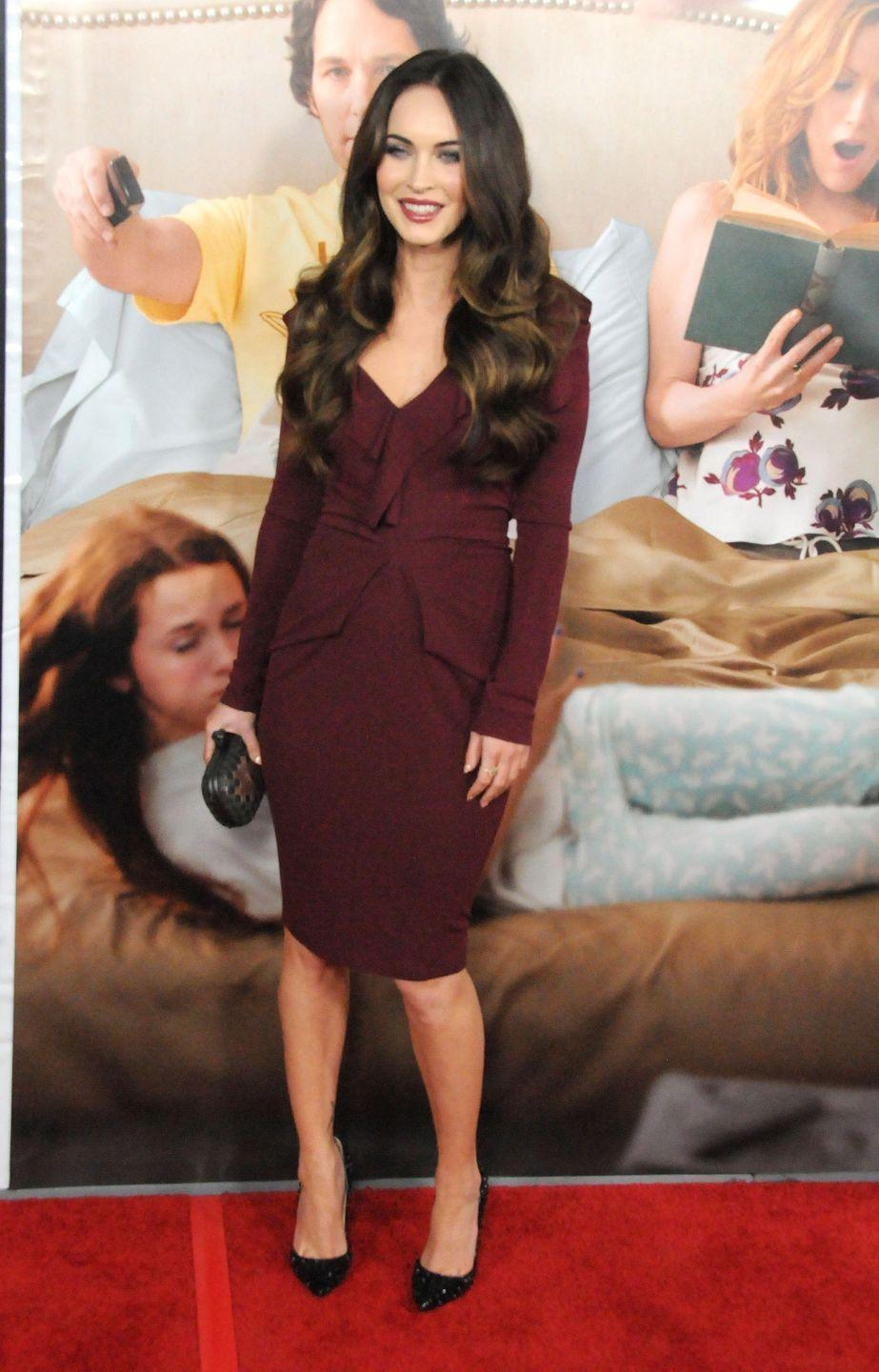<p>Fox styled a tight maroon-coloured dress with a pair of black studded heels for the premiere. She kept her make-up vampy with a slick of dark red lipstick and black eyeliner. </p>