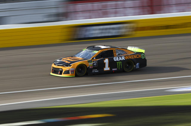 Kurt Busch (1) drives during a NASCAR Cup Series auto race at Las Vegas Motor Speedway, Sunday, Sept. 15, 2019. (AP Photo/Chase Stevens)