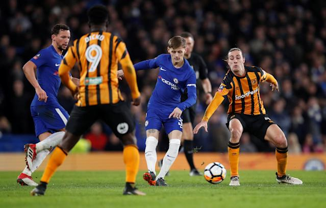 Soccer Football - FA Cup Fifth Round - Chelsea vs Hull City - Stamford Bridge, London, Britain - February 16, 2018 Chelsea's Kyle Scott in action with Hull City's Jackson Irvine REUTERS/Eddie Keogh