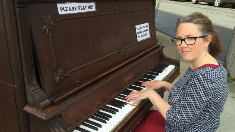 Woman donates 119-year-old gift to Sydney streetside