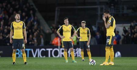 Britain Football Soccer - Crystal Palace v Arsenal - Premier League - Selhurst Park - 10/4/17 Arsenal's Mesut Ozil, Nacho Monreal, Olivier Giroud and Aaron Ramsey look dejected Reuters / Stefan Wermuth Livepic