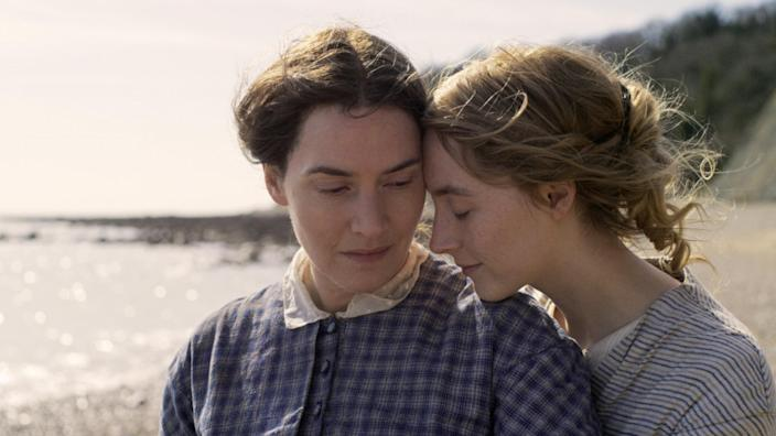 Kate Winslet and Saoirse Ronan in