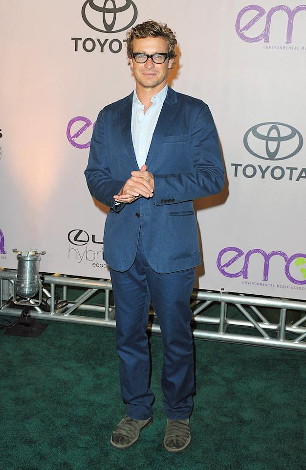 "Usually, dreamy ""Mentalist"" star Simon Baker can do no wrong ... but he did when he paired these suede shoes with his blue suit. Jason Merritt/<a href=""http://www.gettyimages.com/"" target=""new"">GettyImages.com</a> - October 25, 2009"