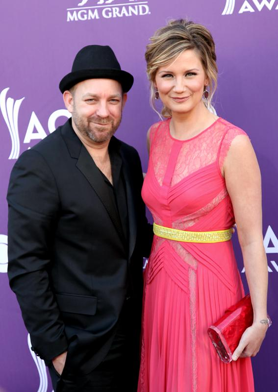 SUGARLAND, Live from the RAM Red Carpet, 47th Annual ACM Awards, Las Vegas, NV