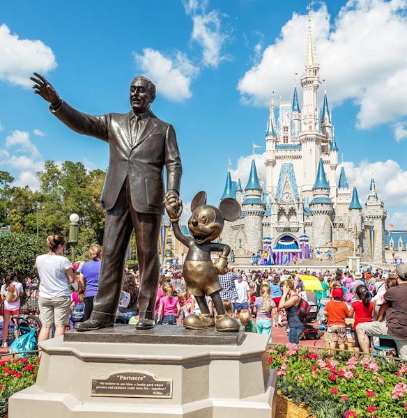 In preparation for Hurricane Matthew, Walt Disney World in Florida has closed for only the fourth time in its history — details