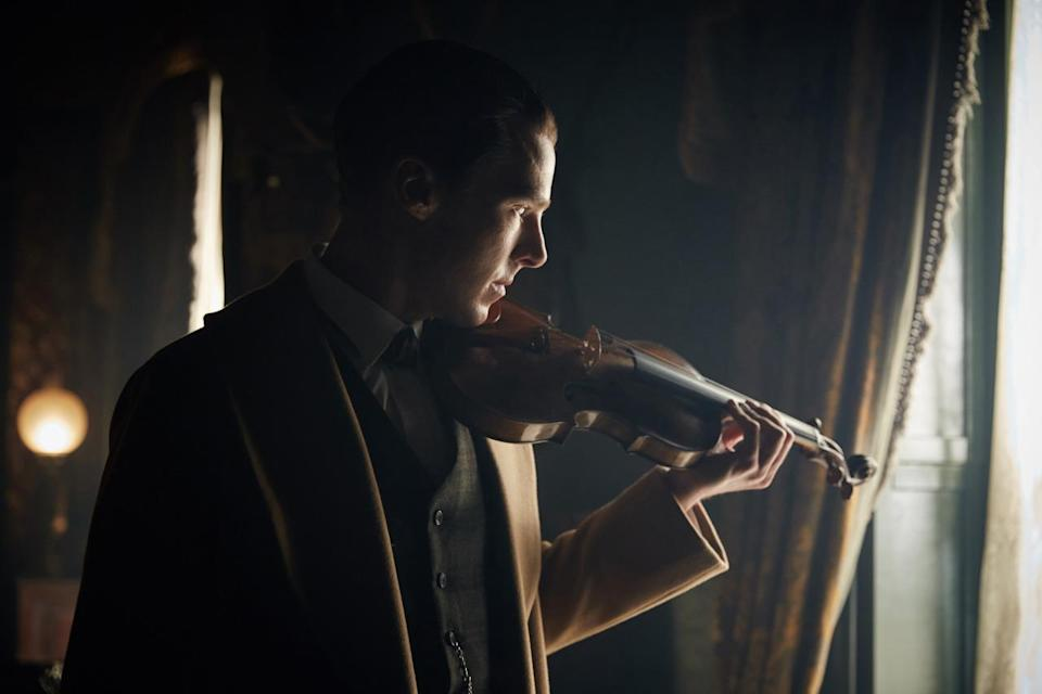 <p>Benedict Cumberbatch as Sherlock Holmes in <i>The Abominable Bride</i>.</p>
