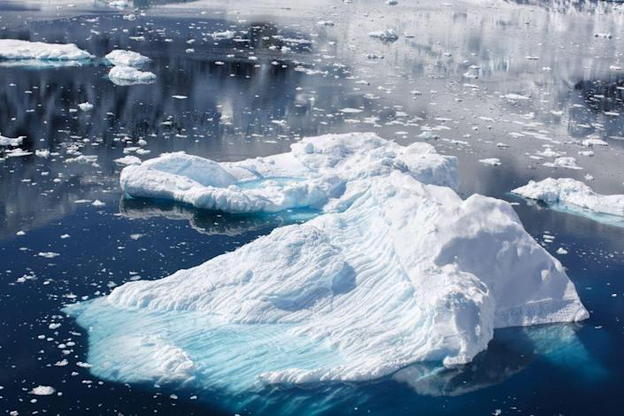 <p>Global warming is a hotly debated topic these days, but photographs of melting icebergs in Antarctica prove that our world is rapidly changing. </p>