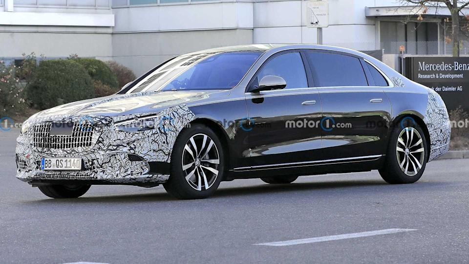 2021 Mercedes-Maybach S-Class Front Spy Photo