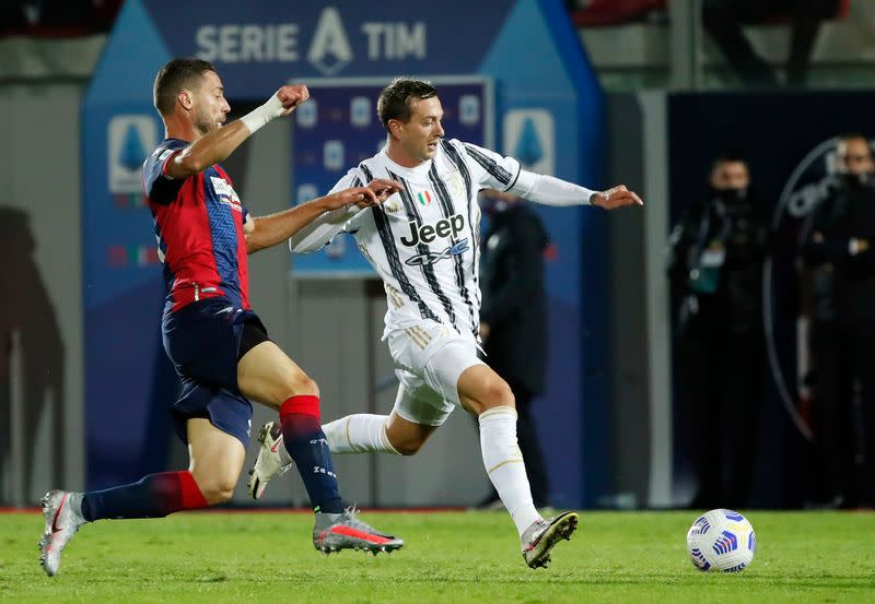 Chiesa sent off on debut as Juve held at Crotone