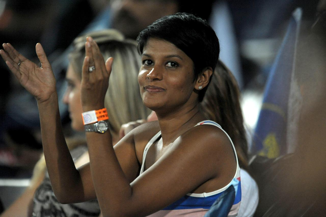 Deccan Chargers captain Kumara Sangakkara's wife Yehali gestures during the IPL Twenty20 cricket match between Deccan Chargers and Rajasthan Royals at the Rajiv Gandhi International Stadium in Hyderabad on May 18, 2012.    RESTRICTED TO EDITORIAL USE. MOBILE USE WITHIN NEWS PACKAGE.    AFP PHOTO / Noah SEELAM        (Photo credit should read NOAH SEELAM/AFP/GettyImages)