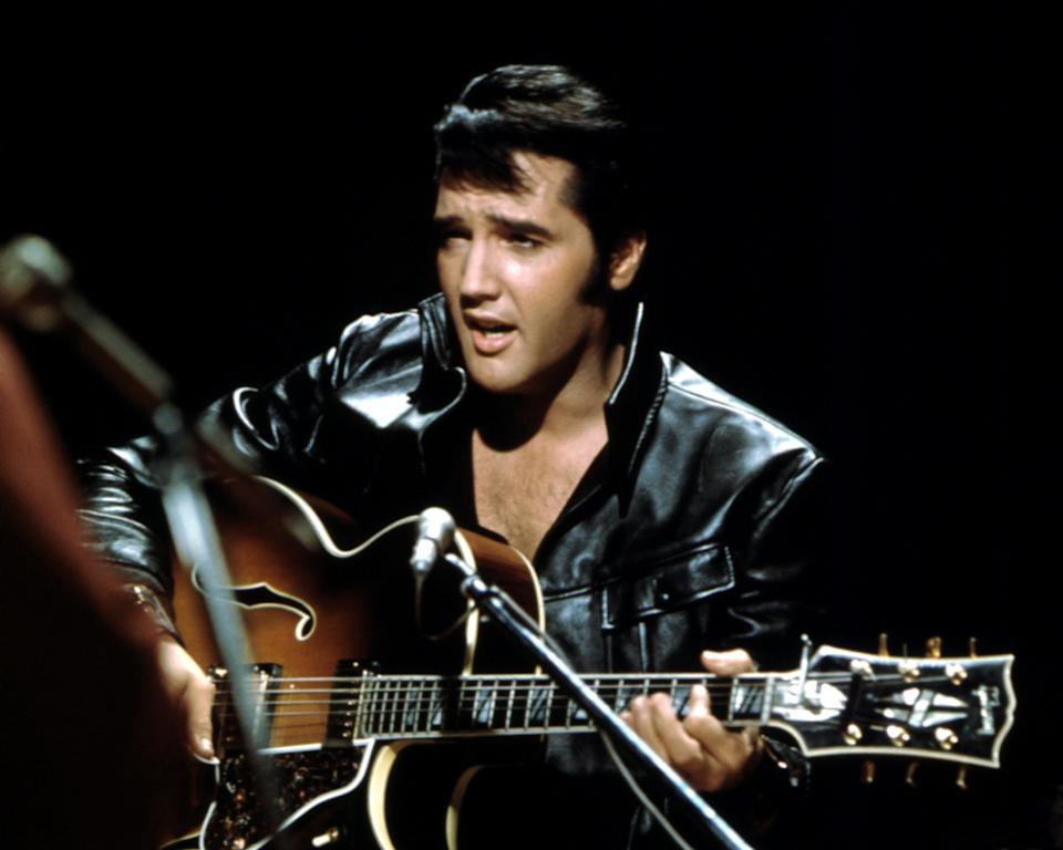 BURBANK, CA - JUNE 27: Rock and roll musician Elvis Presley performing on the Elvis comeback TV special on June 27, 1968. (Photo by Michael Ochs Archives/Getty Images)