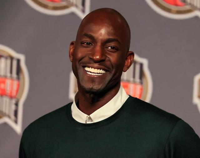 Former Boston Celtics star Kevin Garnett smiles after being named a finalist for the NBA Hall of Fame at the NBA Hall of Fame nomination announcement at the United Center in Chicago, Illinois, USA, 14 February 2020. The announcement was part of the NBA All Star festivities. (Baloncesto, Estados Unidos) EFE/EPA/TANNEN MAURY