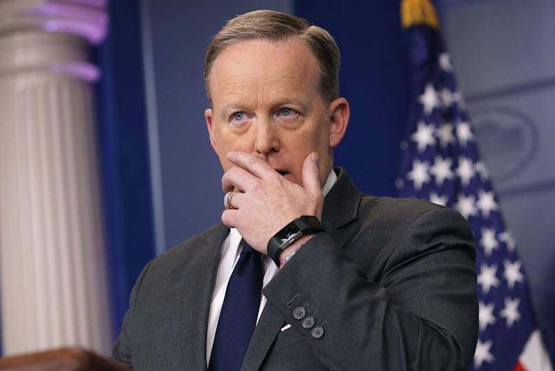 Meet the Comedian Who Trolled Sean Spicer, United Airlines and Pepsi in 1 Meme