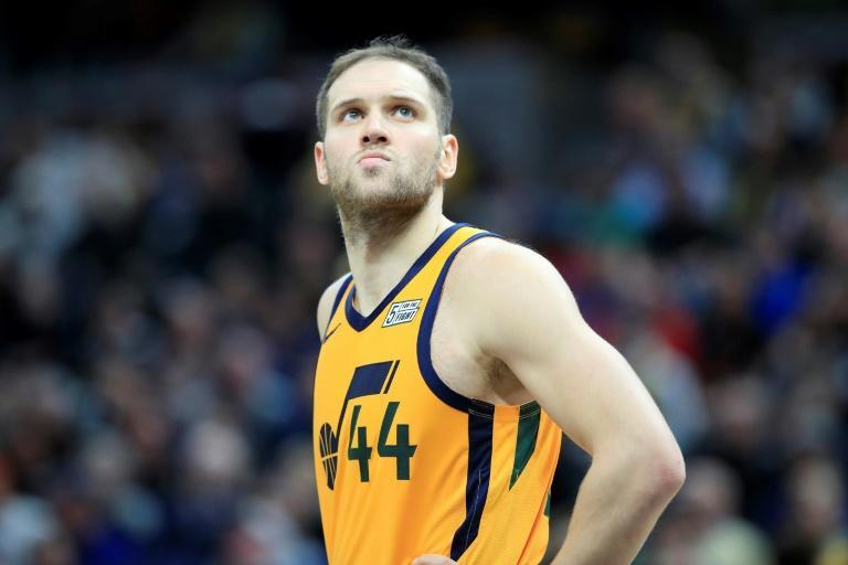 Bojan Bogdanovic, of Croatia, led the charge as the Utah Jazz stormed back from a 14 point deficit against the Washington Wizards to win their ninth consecutive game (AFP Photo/ANDY LYONS)