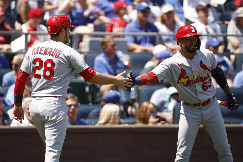 Arenado homers in 3rd straight, Cards finish sweep of Royals