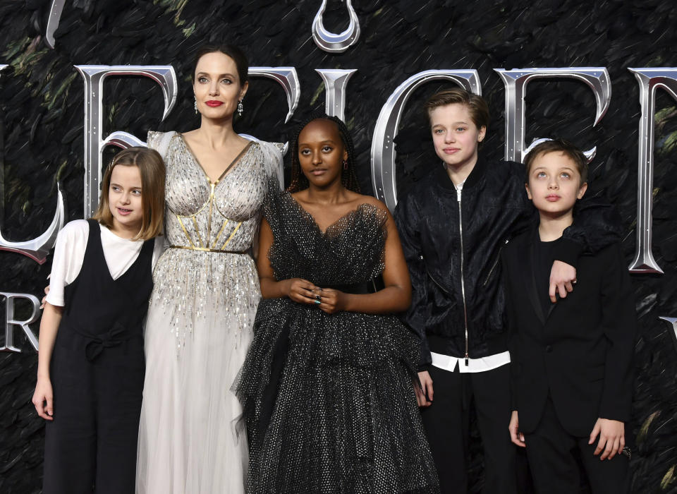 Photo by: KGC-03/STAR MAX/IPx 2019 10/9/19 Vivienne Jolie-Pitt, Angelina Jolie, Zahara Jolie-Pitt, Shiloh Jolie-Pitt and Knox Jolie-Pitt at the premiere of