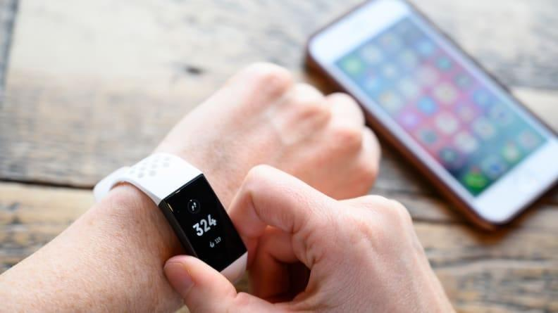 Best gifts for sisters 2021: Fitbit Charge 4