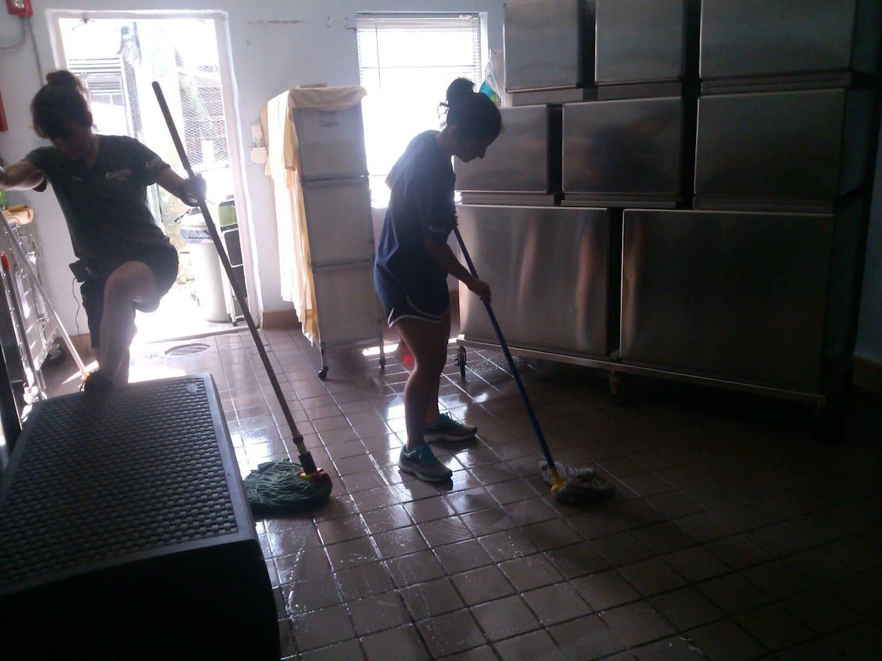 In addition to caring for the animals, the South Florida Wildlife Center staff pitched in to clean up after the storm. (Photo: humanesociety.org)