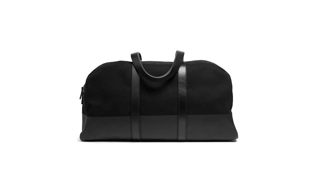 "<p>The Twill Weekender, $115, <a rel=""nofollow"" href=""https://www.everlane.com/products/womens-dipped-weekender-blackblack?collection=womens-backpacks-bags"">everlane.com</a> </p>"