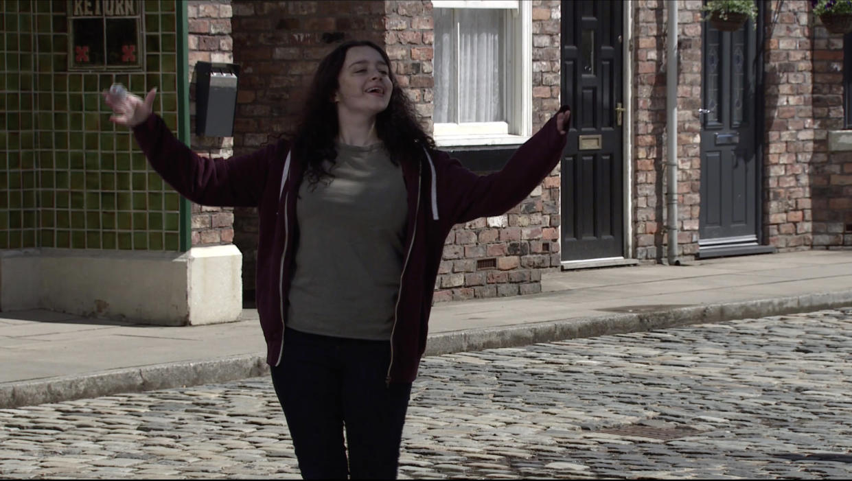 FROM ITV  STRICT EMBARGO  Print media - No Use Before Tuesday 8th June 2021 Online Media - No Use Before 0700hrs  Tuesday 8th June 2021  Coronation Street - Ep 1035051  Monday 14th June 2021  Daisy Midgeley's [CHARLOTTE JORDAN] about to hand Nina Lucas [MOLLIE GALLAGHER] over to Roy Cropper [DAVID NEILSON] but she leaps in a taxi leaving Roy worried sick.  Picture contact David.crook@itv.com   This photograph is (C) ITV Plc and can only be reproduced for editorial purposes directly in connection with the programme or event mentioned above, or ITV plc. Once made available by ITV plc Picture Desk, this photograph can be reproduced once only up until the transmission [TX] date and no reproduction fee will be charged. Any subsequent usage may incur a fee. This photograph must not be manipulated [excluding basic cropping] in a manner which alters the visual appearance of the person photographed deemed detrimental or inappropriate by ITV plc Picture Desk. This photograph must not be syndicated to any other company, publication or website, or permanently archived, without the express written permission of ITV Picture Desk. Full Terms and conditions are available on  www.itv.com/presscentre/itvpictures/terms
