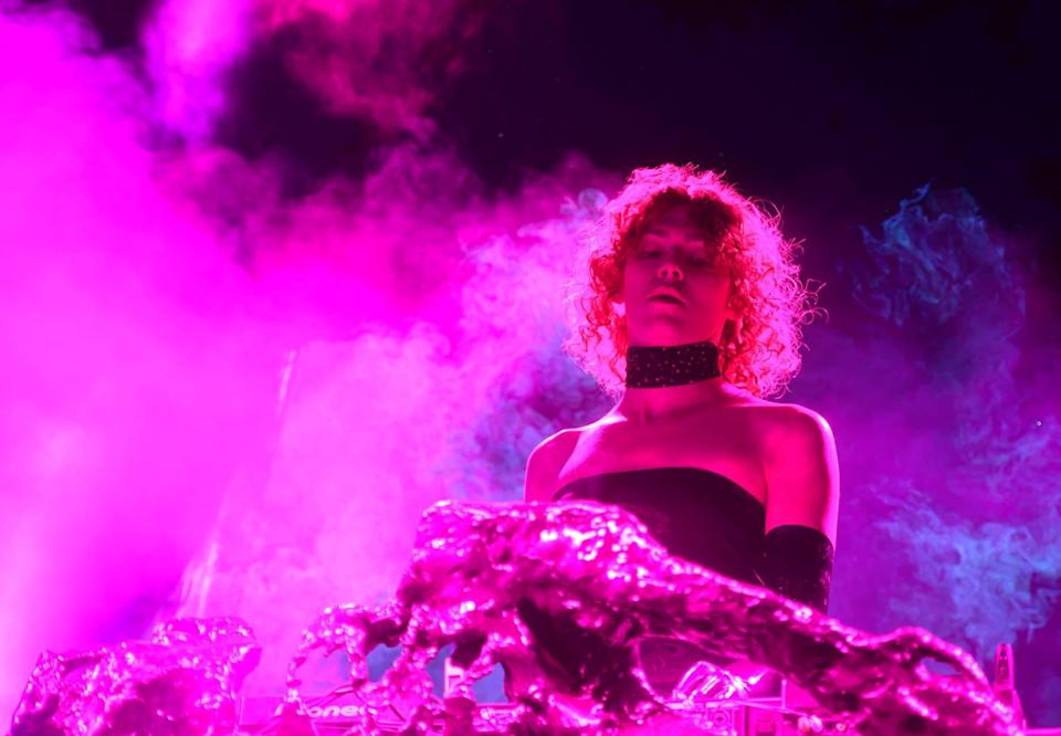 SOPHIE sur scène à Coachella en avril 2019 - Frazer Harrison - Getty Images via AFP