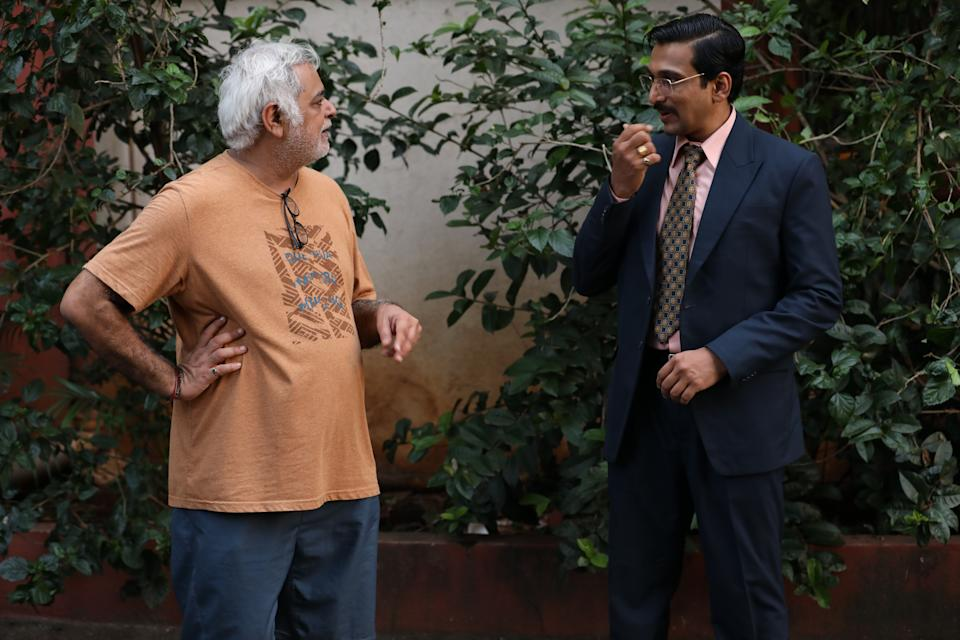 Hansal Mehta on the sets of Scam 1992 with Pratik Gandhi (Photo: HuffPost India )