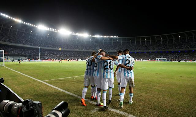 Soccer Football - Copa Libertadores - Argentina's Racing Club v Brazil's Vasco da Gama - Presidente Peron stadium, Buenos Aires, Argentina - April 19, 2018 - Racing's Federico Zaracho celebrates with his team mates after scoring his team's third goal. REUTERS/Agustin Marcarian