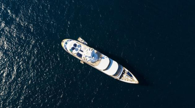 Want to Sail the High Seas? What You Need to Know About Renting vs. Buying a Boat