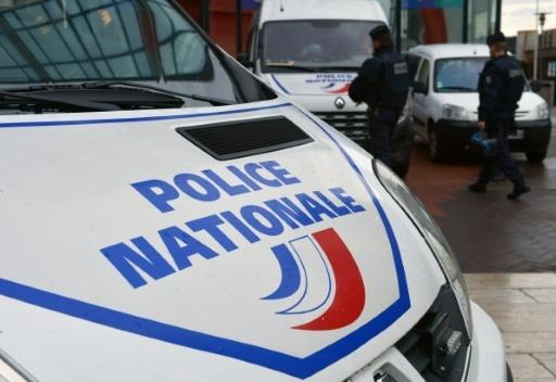 Teacher attacked in Paris suburb by man citing IS 'warning'