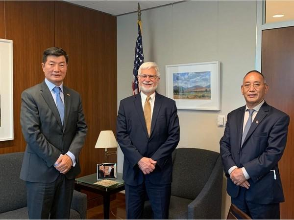 US Coordinator for Tibetan Issues with Lobsang Sangay, President of the Tibetan-government-in-exile. (Photo credit: Twitter/Lobsang Sangay)