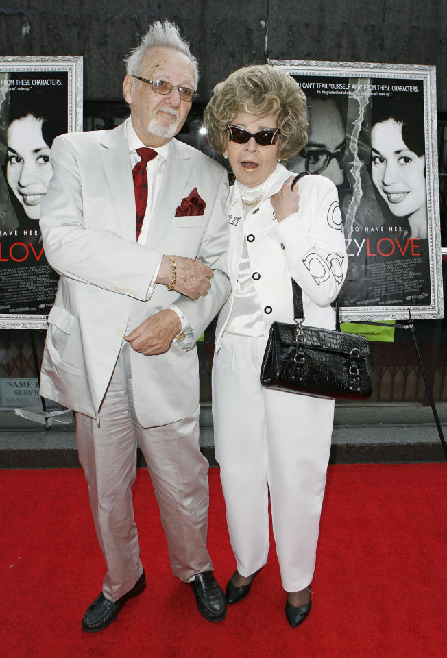 """Burt Pugach and wife Linda arrive to attend the premiere of, the documentary film about themselves, """"Crazy Love"""" in New York May 22, 2007.   REUTERS/Lucas Jackson"""