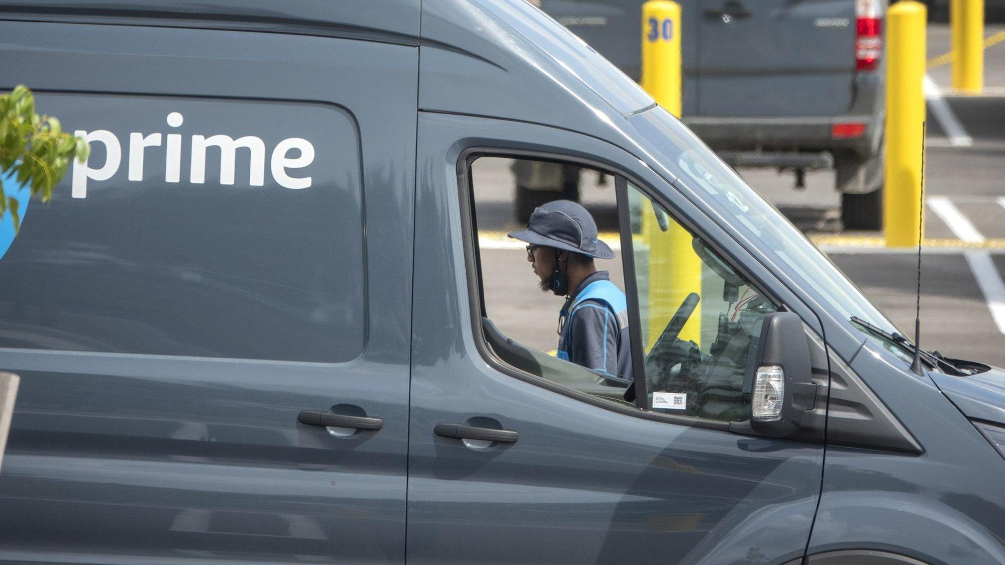 Amazon apologises for wrongly denying drivers need to urinate in bottles thumbnail