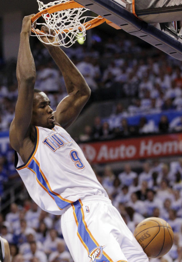 2f0313abed71 Durant powers Thunder past Spurs 109-103