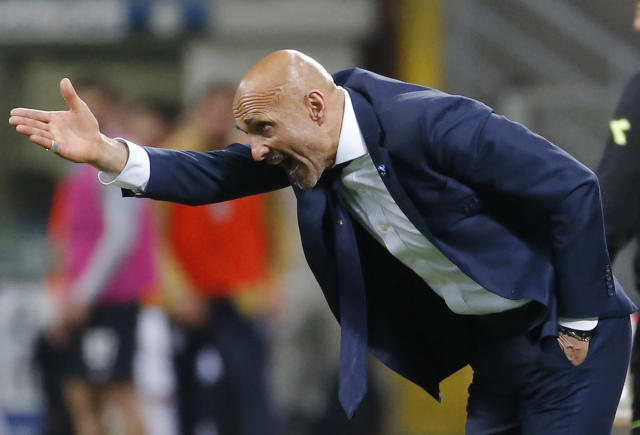 Inter Milan coach Luciano Spalletti gestures during an Italian Serie A soccer match between Inter Milan and Cagliari, at the San Siro stadium in Milan, Italy, Tuesday, April 17, 2018. (AP Photo/Antonio Calanni)
