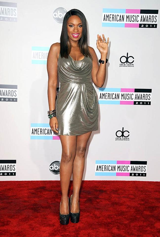 """American Idol"" alum and Oscar winner Jennifer Hudson showed off her newly slimmed-down figure in a metallic mini and sparkling platform heels upon arriving at the 2011 American Music Awards held at the Nokia Theatre L.A. Live. The ""Where You At"" singer was tapped to serve as one of the evening's presenters. (11/20/2011)"