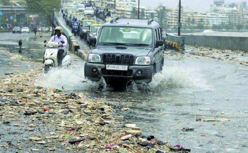 The garbage also filled the gutters, leading to waterlogging. This halted traffic for a while. BMC officials sent trucks to clean the road. By 3 pm, the traffic was cleared. PTI