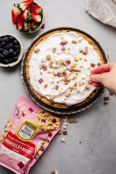 PHOTO: A berries and cream cookie pizza made with the strawberry Morsels and More. (Nestlé Toll House)