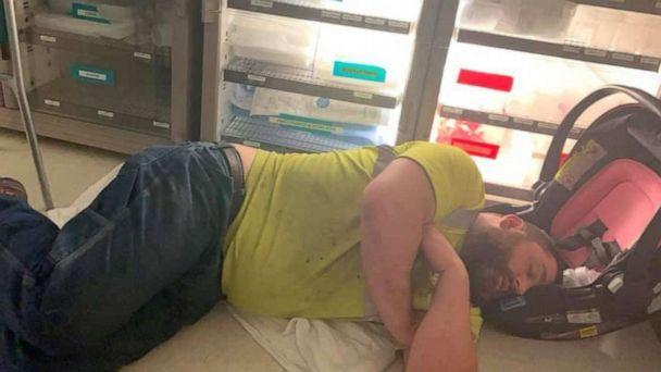 PHOTO: Sara Duncan, a mother of two and teacher from Fredericktown, Missouri, posted an image onto Facebook after she and her husband, Joe Duncan, took their youngest to the emergency room. The photo was shared over 31,000 times. (Sara Duncan)