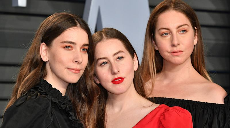 HAIM Fired Agent After Finding Out A Male Artist At Same Fest Was Paid 10 Times More