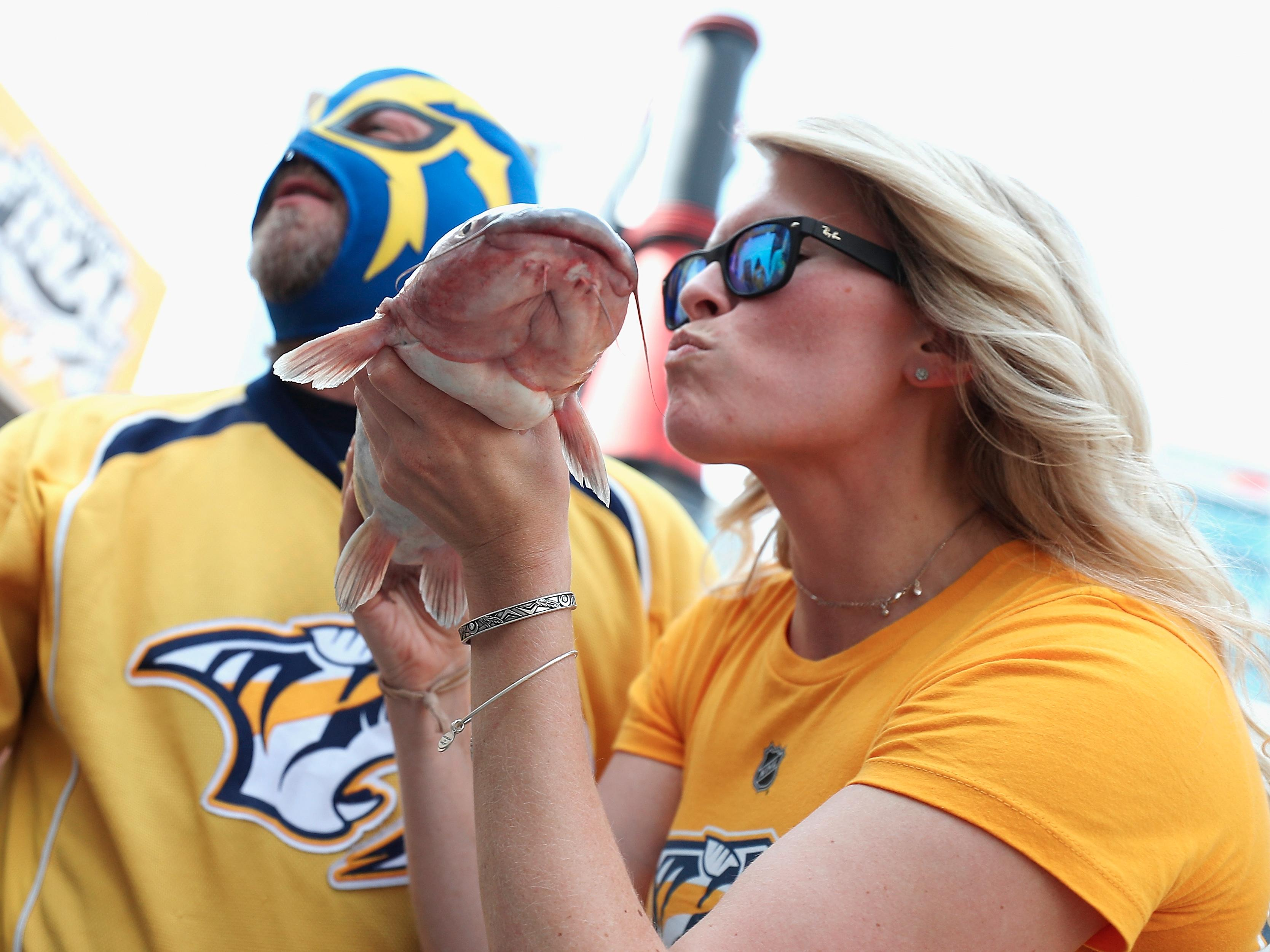 Predators_fans_brought_out_their-2d461b206de2bdfb1ab640103568544c.cf