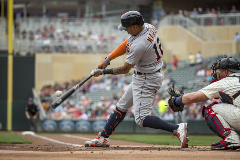 Indians bolster outfield, acquire Leonys Martin from Tigers