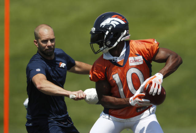 "The fantasy dots lined up for <a class=""link rapid-noclick-resp"" href=""/nfl/players/24057/"" data-ylk=""slk:Emmanuel Sanders"">Emmanuel Sanders</a> this draft season (AP/David Zalubowski)"