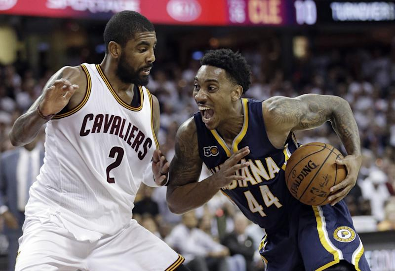 It would be in the Pacers' best interest to keep Jeff Teague. (AP)
