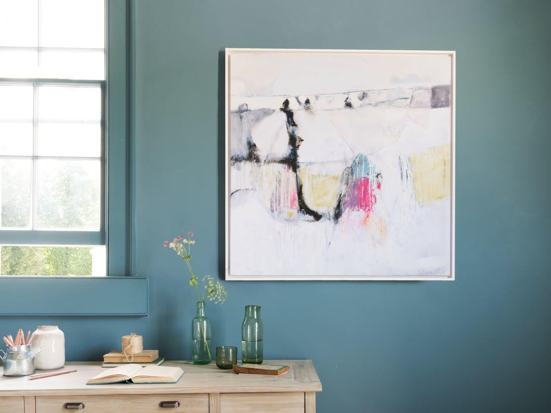 <p>Do you want your post-painted room to have a warm or cool look? A neutral or a saturated shade? Remember that existing furniture or art must also complement those painted walls.</p><p>Once you have a sense of what you're looking for, pick a few shades and get samples to take home. Paint a few patches of your samples on the walls to see how they look in the room at different times of day.</p>  Credits: homify / Loaf