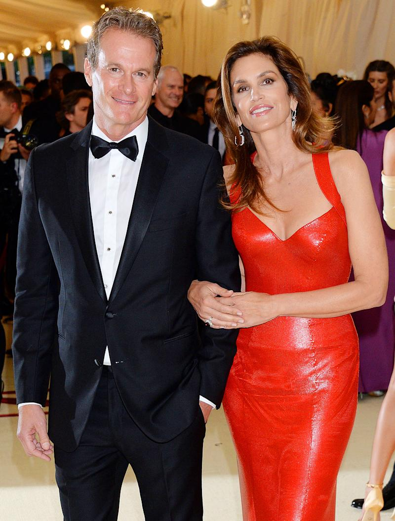 Cindy Crawford Celebrates 20 Years of Marriage to Rande Gerber with ...