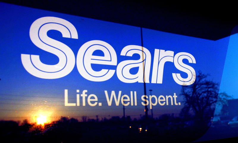 Sears 4Q loss narrows as it lowers expenses